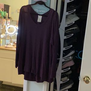 Super soft and stretchy cozy sweater really cute with leggings for Sale in Ontario, CA