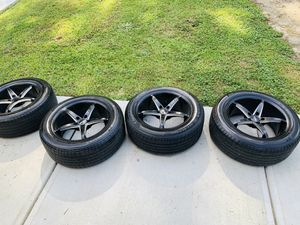 Michellin and firestone with 18 rims for Sale in Atlanta, GA