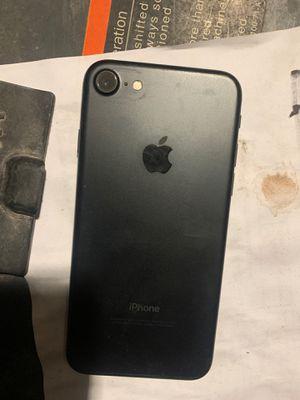 iPhone 7 unlocked for Sale in Riverside, CA