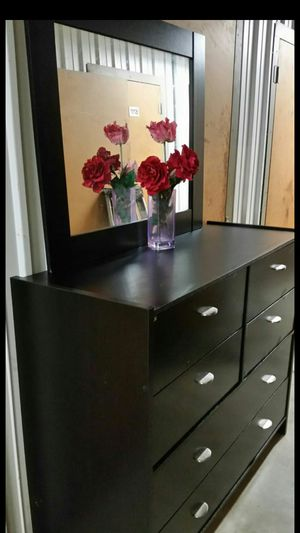 MODERN BLACK DRESSER WITH 8 DRAWERS ALL DRAWERS SLIDING SMOOTHLY for Sale in Fairfax, VA