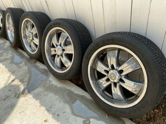 """20"""" chrome rims 6 lugs Japanese SUV for Sale in Glendale,  CA"""
