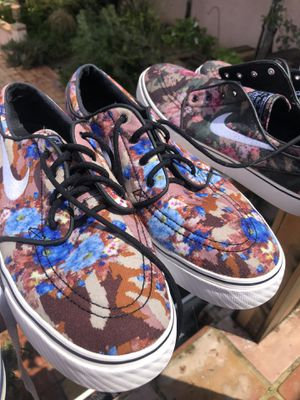 Nike and Vans 20$ Size 10 for Sale in Redlands, CA