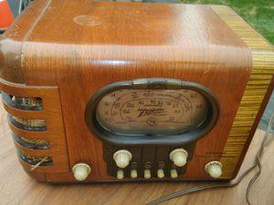 1939 Zenith Art Deco radio for Sale in Johnsburg, IL