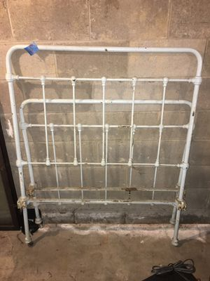"""Metal bed frame 42""""x75"""" for Sale in Rochester, NY"""