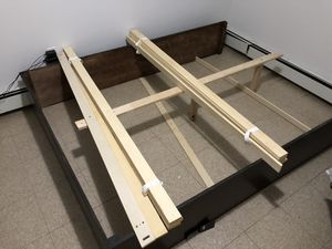 Queen platform bed frame for Sale in Queens, NY