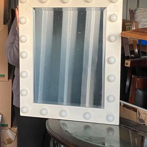 Vanity Mirror With Lights for Sale in Covina, CA