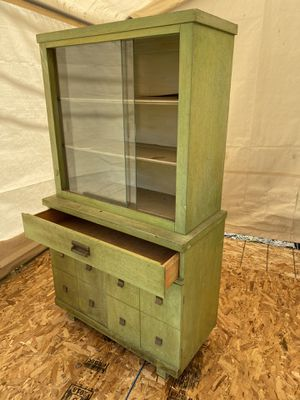 Antique China Cabinet for Sale in Melrose Park, IL