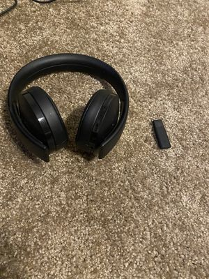 PS4 gold headset for Sale in North Las Vegas, NV