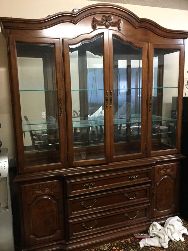 China hutch cabinet $750 cash only please (no checks) serious buyers only need to sell Wichita KS area no trades