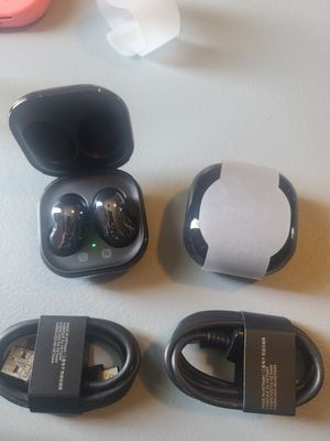 new never used....samsung buds live...$110(no boxes)only pick up.... for Sale in Avondale, AZ
