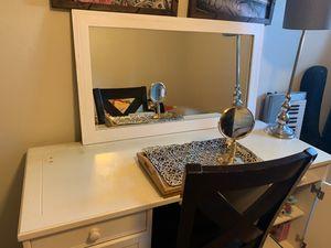 White Desk for Sale in Tracy, CA