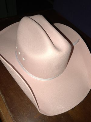 Pink cowgirl hat and belt for Sale in Los Fresnos, TX