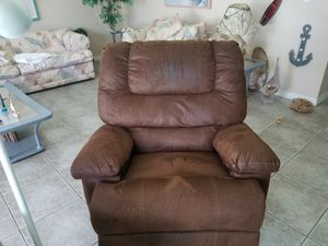 Recliner FREE for Sale in Cocoa Beach, FL