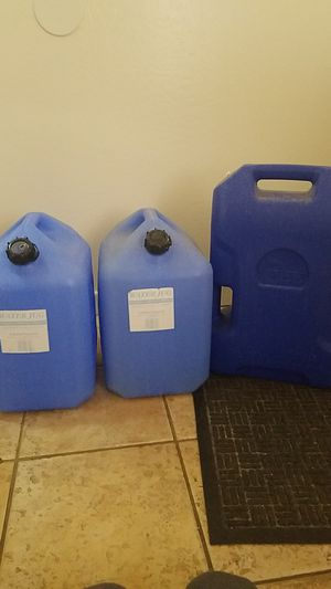 3 6G Water Containers for Sale in Phoenix, AZ