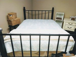 Beautiful Queen Metal Bed Frame!! for Sale in UPPER ARLNGTN, OH