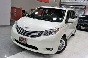2017 Toyota Sienna for Sale in Springfield Township, NJ