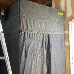 Heavy Duty Gorilla Grow Tent 5x5x8 for Sale in Suisun City,  CA
