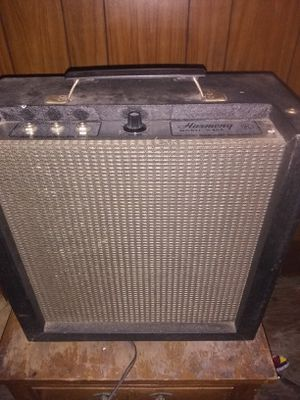 Harmony H400 Vintage guitar amp for Sale in Cleveland, OH