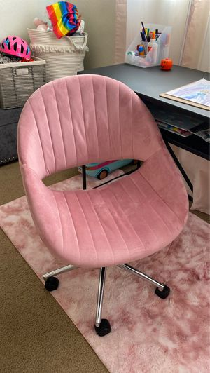 Pink office chair for Sale in Fremont, CA
