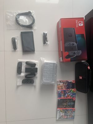 Nintendo switch in box for Sale in Cutler Bay, FL