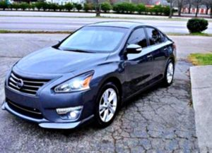 No low-ball offers2O13 Altima for Sale in Iowa City, IA