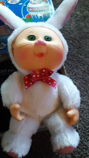 """Honey bunny cutie doll 9"""" for Sale in Neenah, WI"""