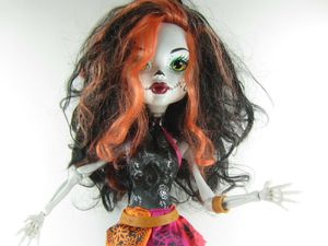 "MONSTER HIGH Skelita Calaveras Gore-Geous Doll Figure Large 28"" Freaky Friend for Sale in San Antonio, TX"