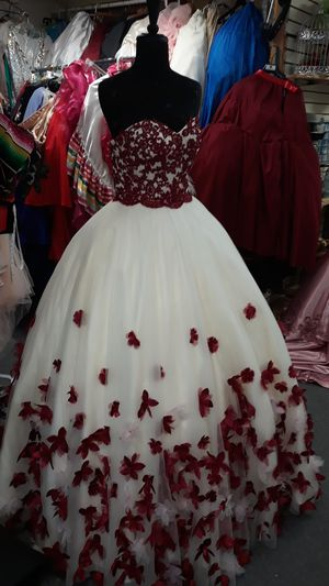 Quinceanera dress for Sale in San Leandro, CA