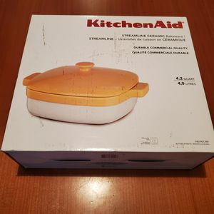 KitchenAid 4.2 Quart Ceramic Bakeware for Sale in San Marcos, TX