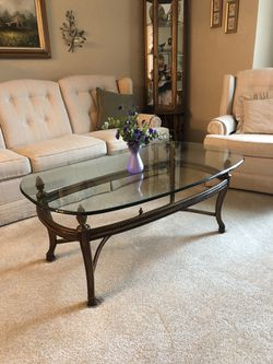 Gorgeous Glass Top coffee Table for Sale in St. Louis,  MO