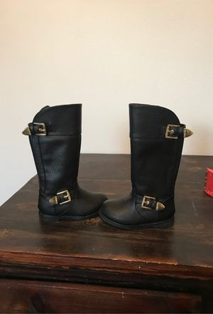 Michael kors toddler boots 5 for Sale in Wenatchee, WA