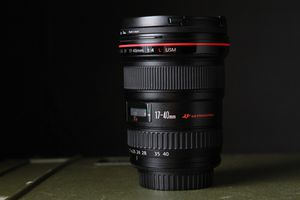 Canon EF 17-40mm f/4L USM Ultra Wide Angle Zoom Lens for Sale in Marina del Rey, CA