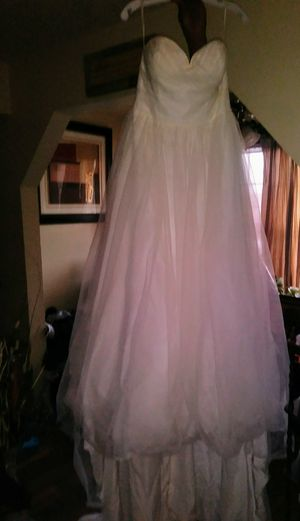 Daivds Bridal Wedding Dress for Sale in Fort Worth, TX