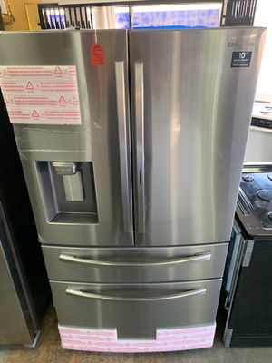 New Samsung refrigerator for Sale in West Carson, CA