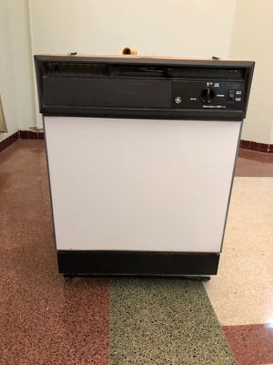Used General Electric Dishwasher for Sale in Miami Beach, FL