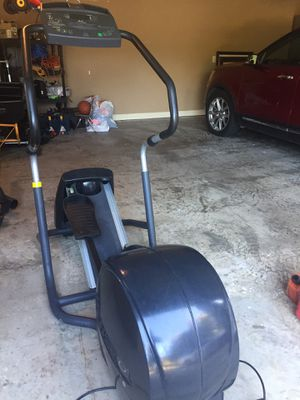 Precor EFX 5.21si Elliptical Cross-Trainer for Sale in Flower Mound, TX