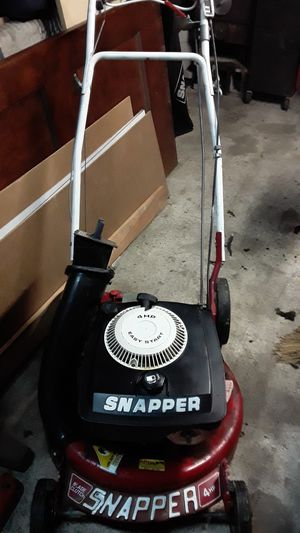 Rare snapper rear wheel drive 6 speed with blade clutch starts first pull.perfect mower for Sale in St. Louis, MO
