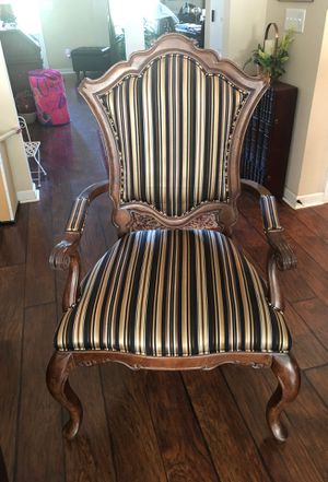 Antique Accent Chair for Sale in Powdersville, SC