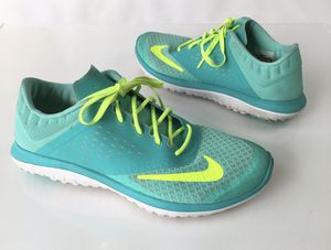 Nike fitsole women's size 8.5 gym & running shoes Nice! for Sale in Graham, WA