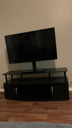 Tv stand and tv for Sale in Riverside, CA