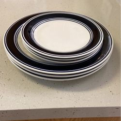 Plates (6) for Sale in Gainesville,  FL