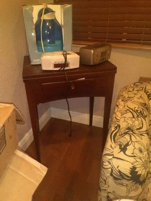 Singer sewing machine desh alarm clock penguin dehumidifier for Sale in Coconut Creek, FL