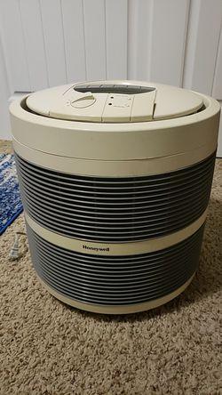 Honeywell HEPA air cleaner for Sale in Auburn,  WA