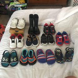 Size 5-6 Boys Shoes for Sale in Austin,  TX
