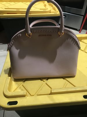 Michael Kors Wholesale for Sale in South Gate, CA