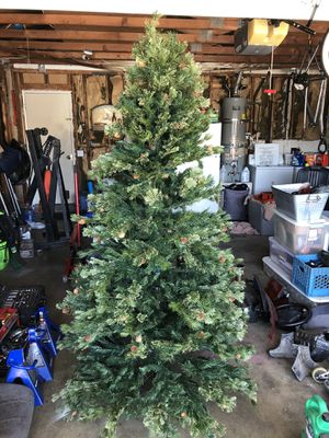 7 Foot Artificial Christmas Tree (Easy Setup) for Sale in Ontario, CA