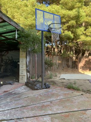 Basketball hoop 🏀 for Sale in Richmond, CA