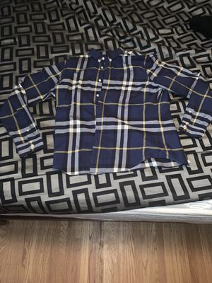 Burberry button up shirt for Sale in Hayward, CA