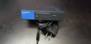Lynksys se3005 5 port gb ethernet switch -like new- for Sale in Snohomish, WA