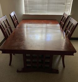Dining table w/ 6 chairs for Sale in Clovis,  CA